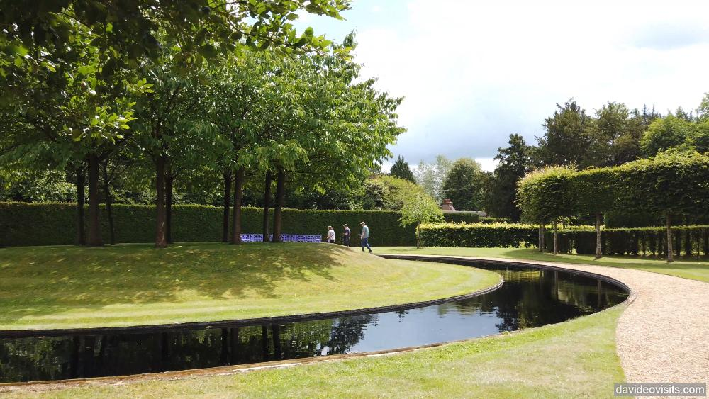 Ascott Manor Gardens in Buckinghamshire